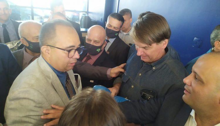 O presidente da ACS-PE Albérisson Carlos e o Presidente Jair Bolsonaro. Foto: Divulgação